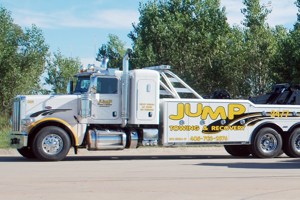 JUMP Towing & Recovery Heavy Haul Truck
